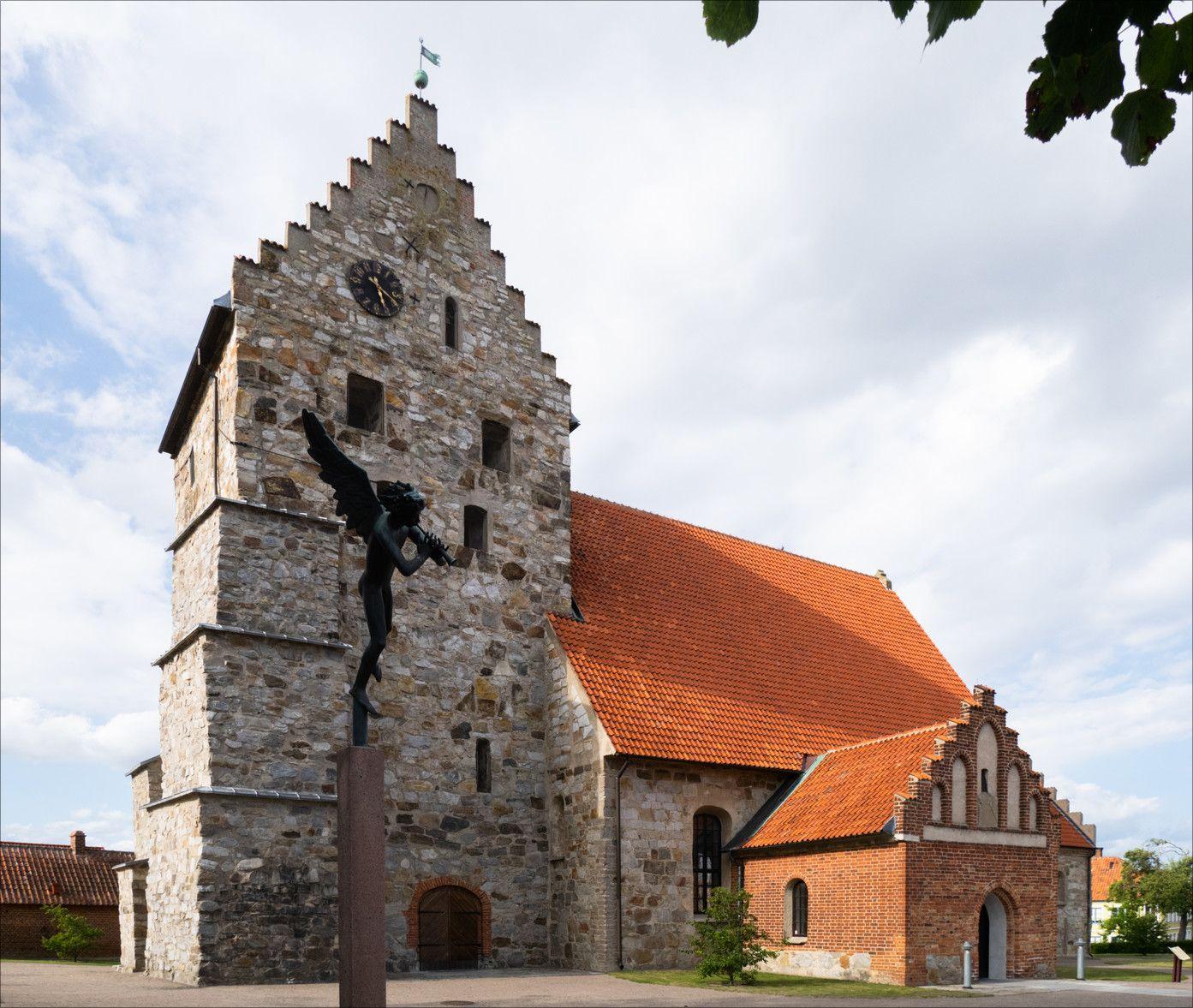 02 - Sankt Nicolai kyrka Simrishamn.jpg