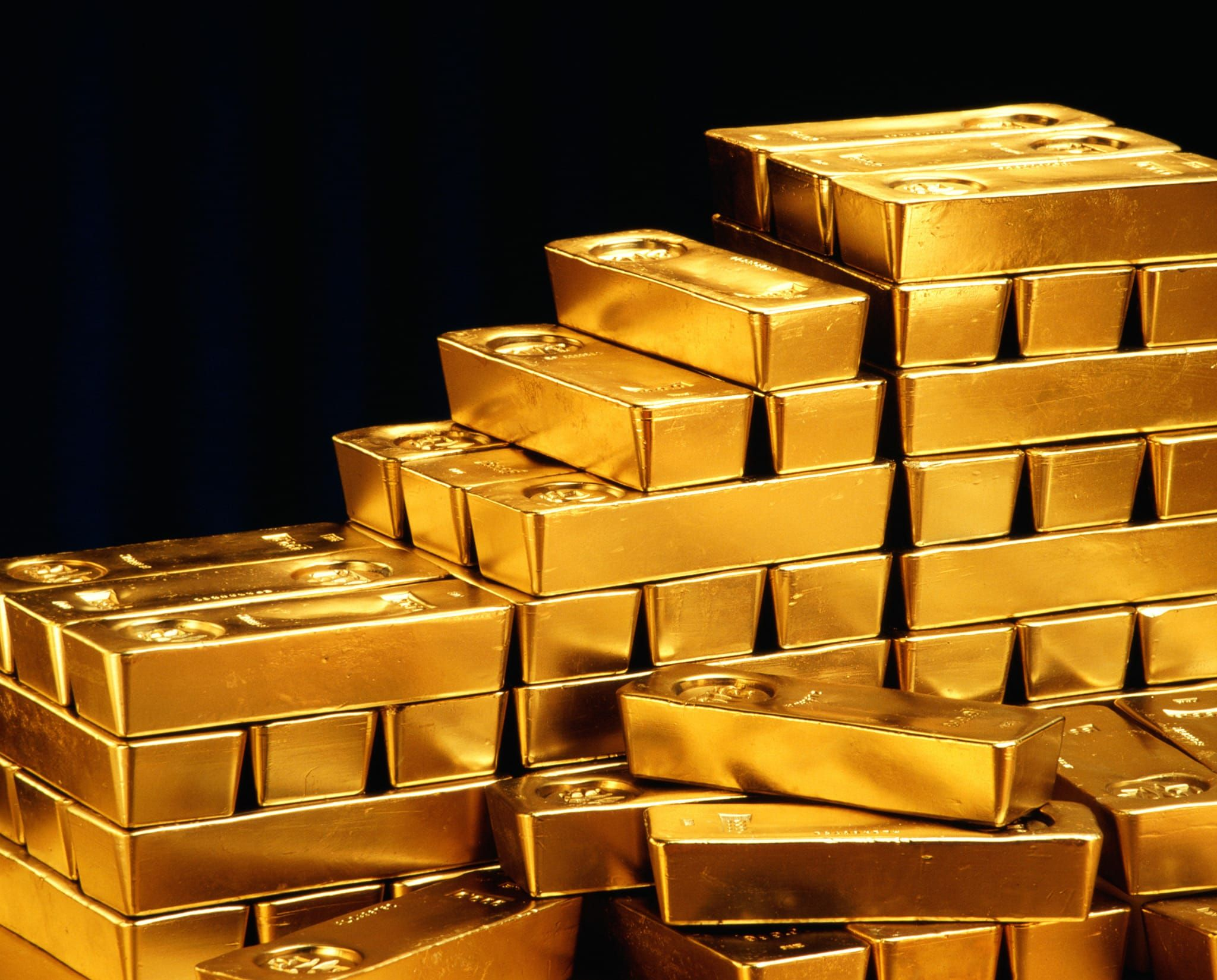 100281353-gold_bars_piles_gettyP.jpg