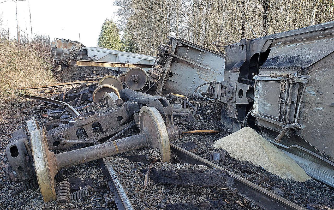 23721202_web1_TrainDerails-ADW-201223-derail_3.jpg
