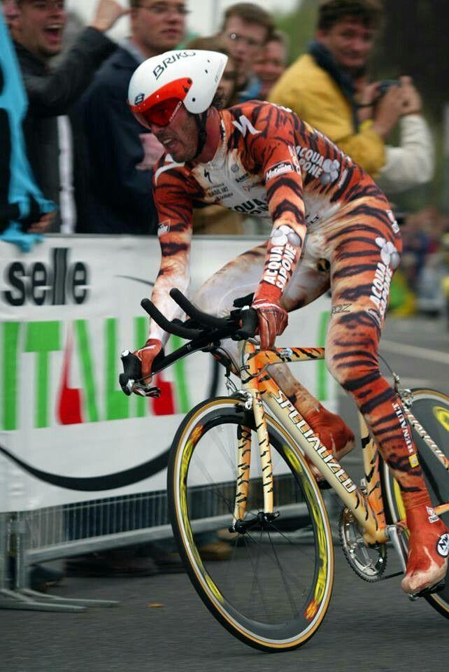 5f2802f5dc529bfabbbc78fbe8ab74a4--super-mario-cycling-gear.jpg