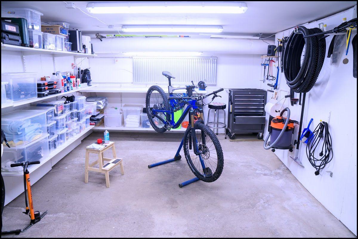 IMG 5_garage.jpg