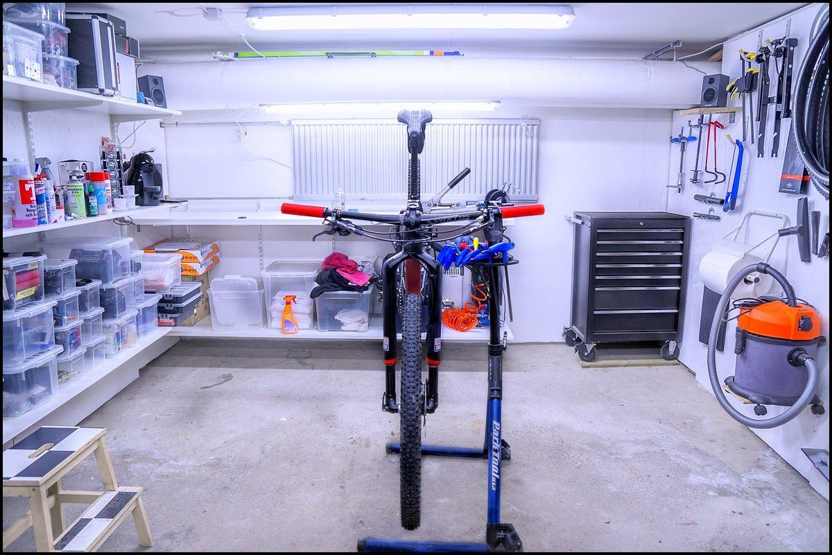 IMG 6_garage.jpg