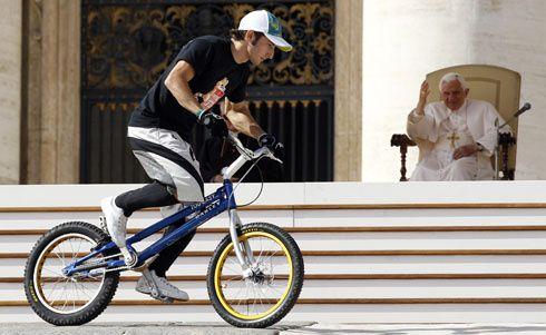pope-bike-490.jpg