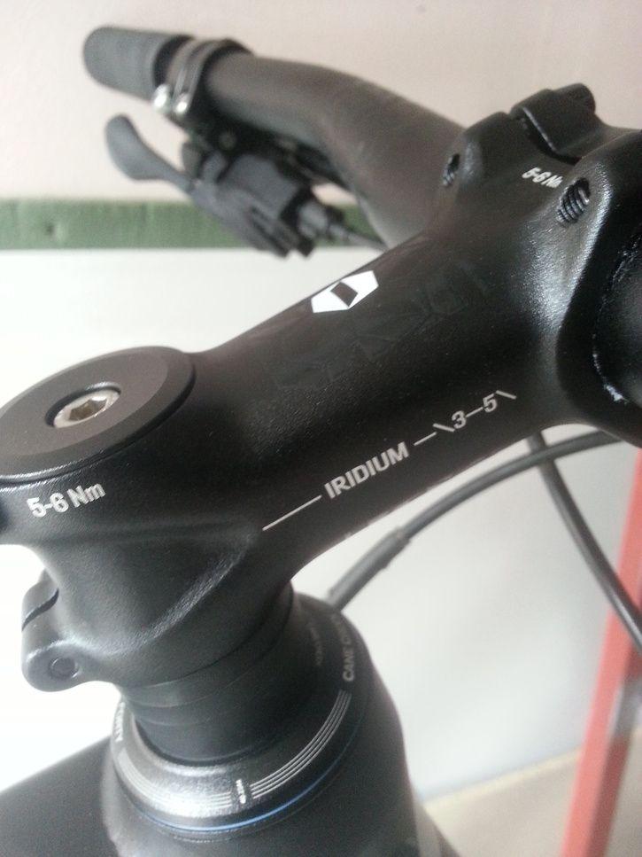 hur höjer man styret på en cykel