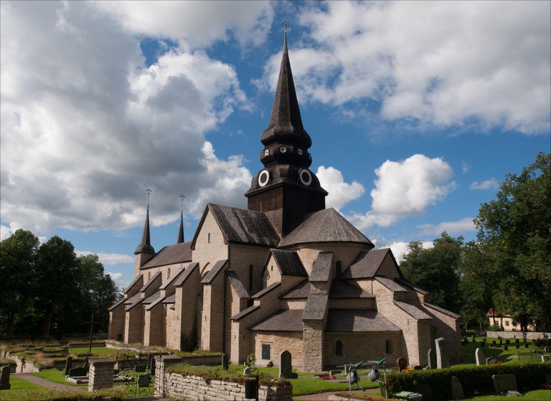 Varnhems Klosterkyrka.jpg