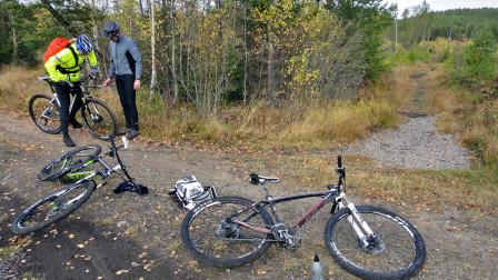 Ett cykeltest är mycket av cykla, justera och diskutera.
