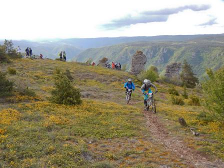 Starten på SS1 går längs en bergskam.