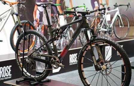 Rose Thrill Hill 27,5 i Roses monter på Sweden Bike Expo