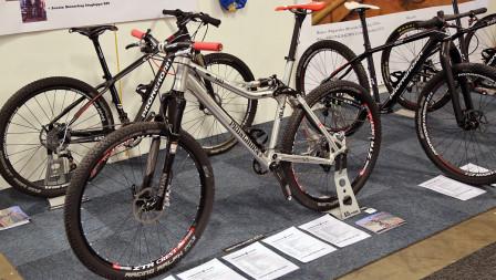 Pronghorns utbud på Sweden Bike Expo med bland annat den heldämpade modellen PR6XC-100