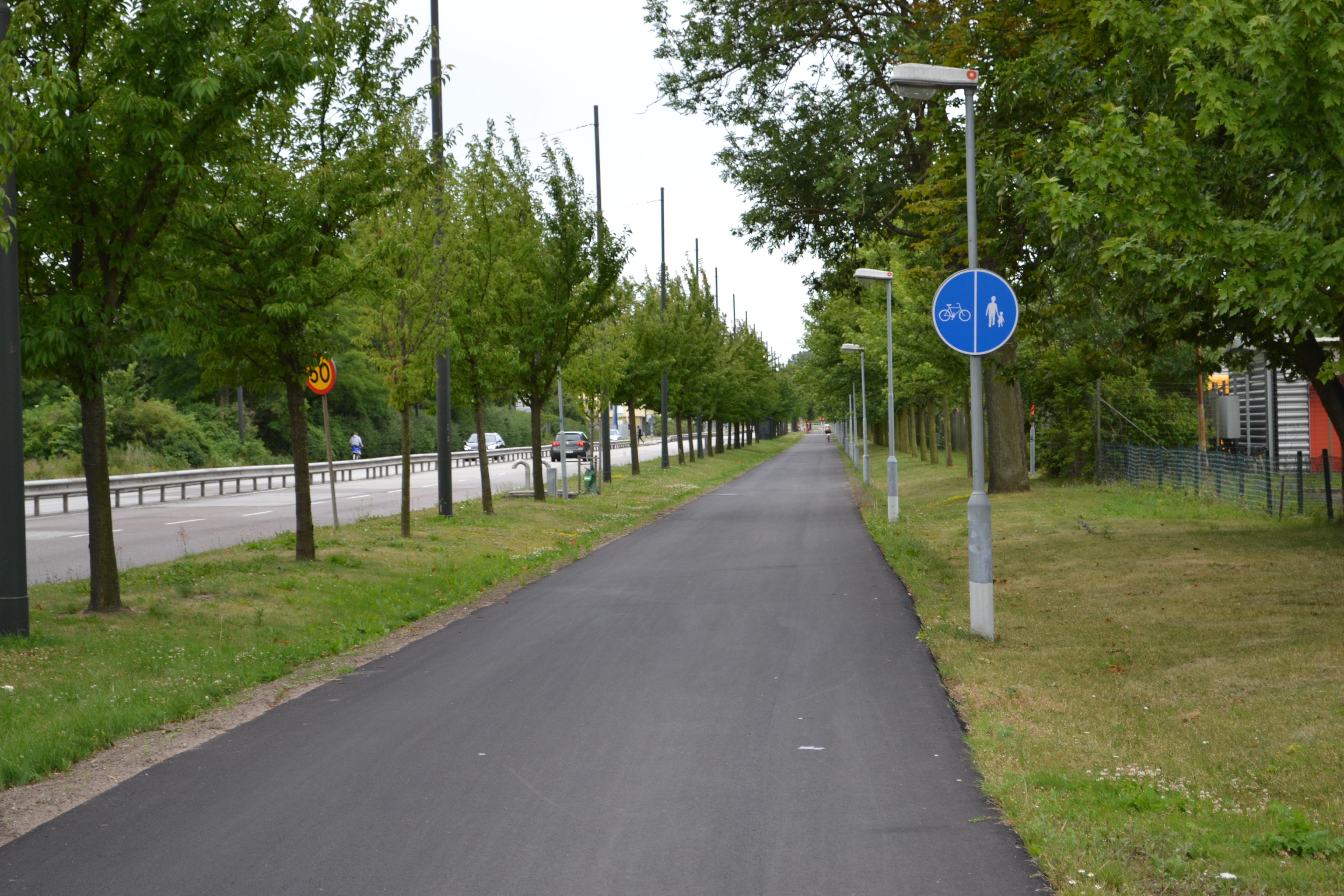 D7-2 Påbjudna gång- och cykelbanor