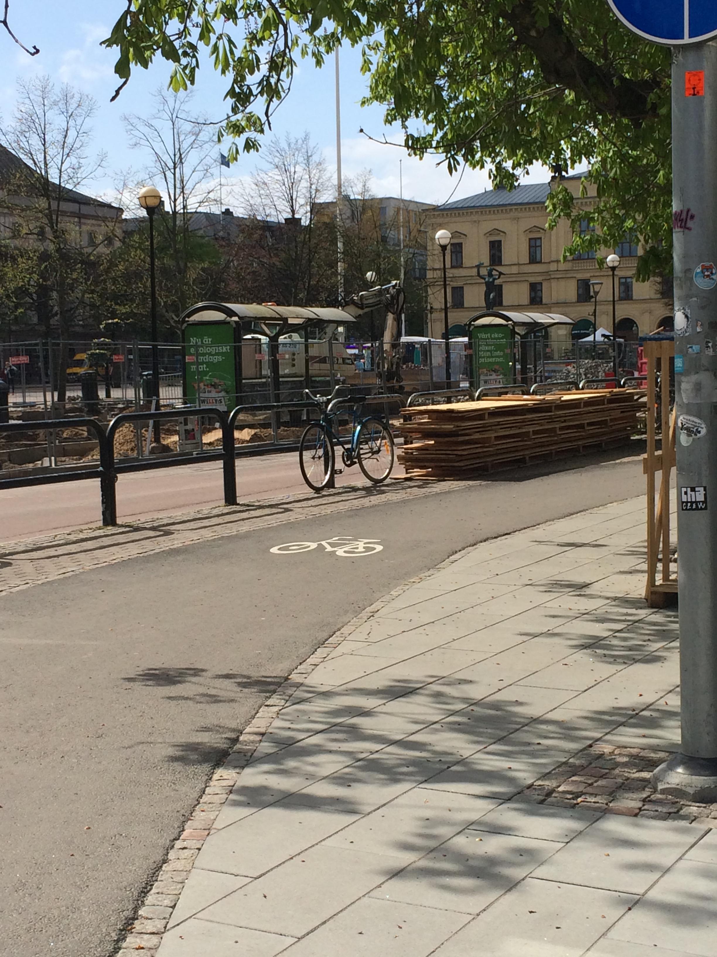 Dubbelriktad cykelbana i Karlstad