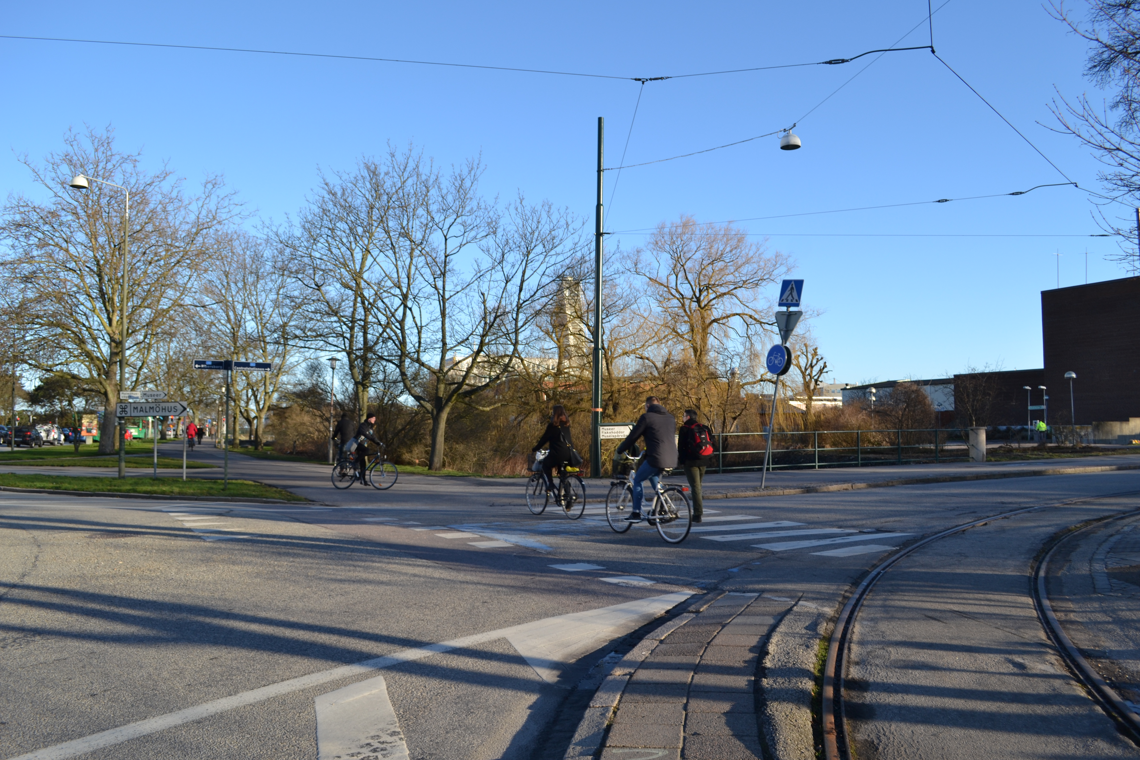 Väjningsplikt före cykelpassage