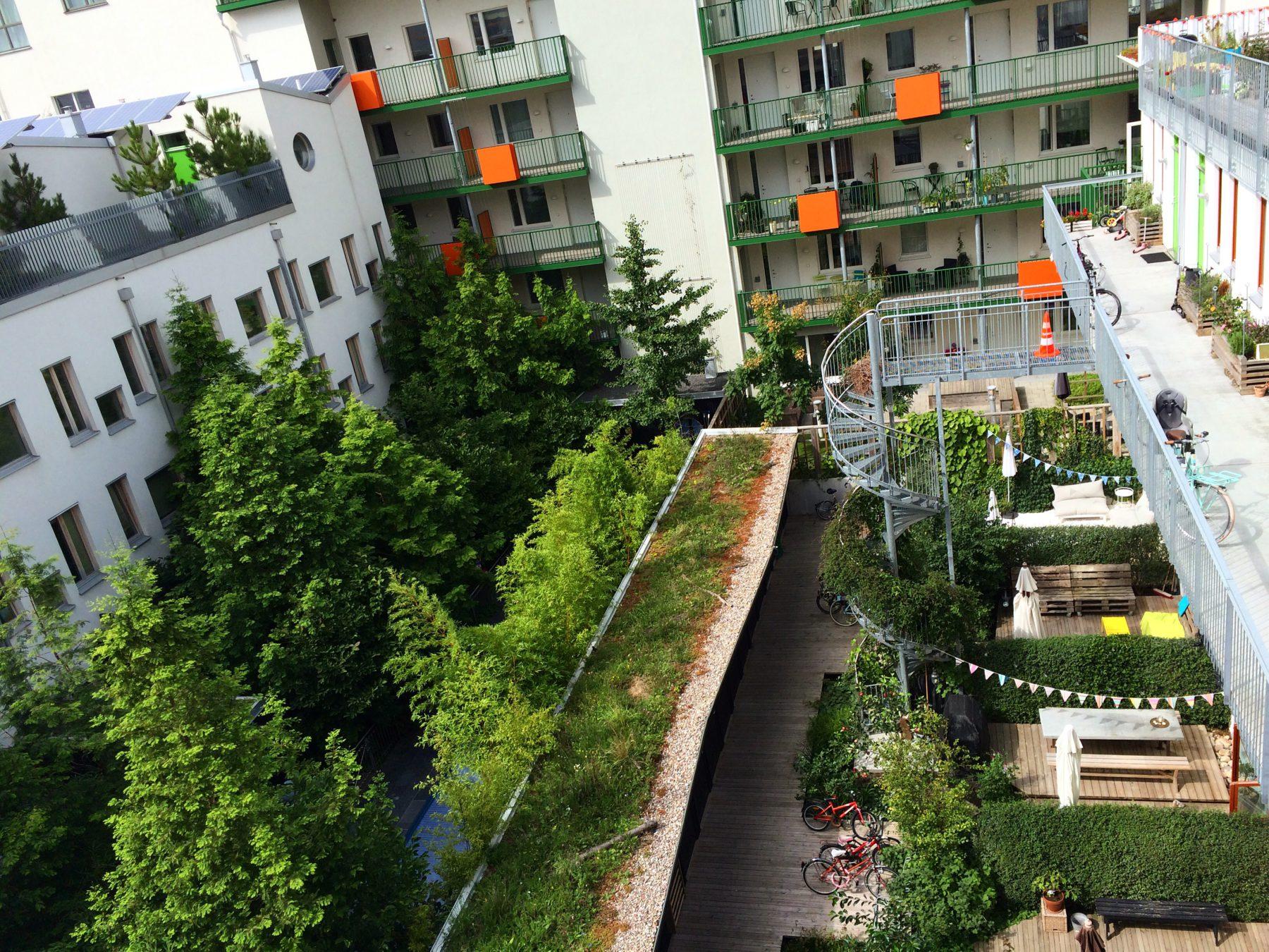 Några av Västra hamnens gröna innergårdar