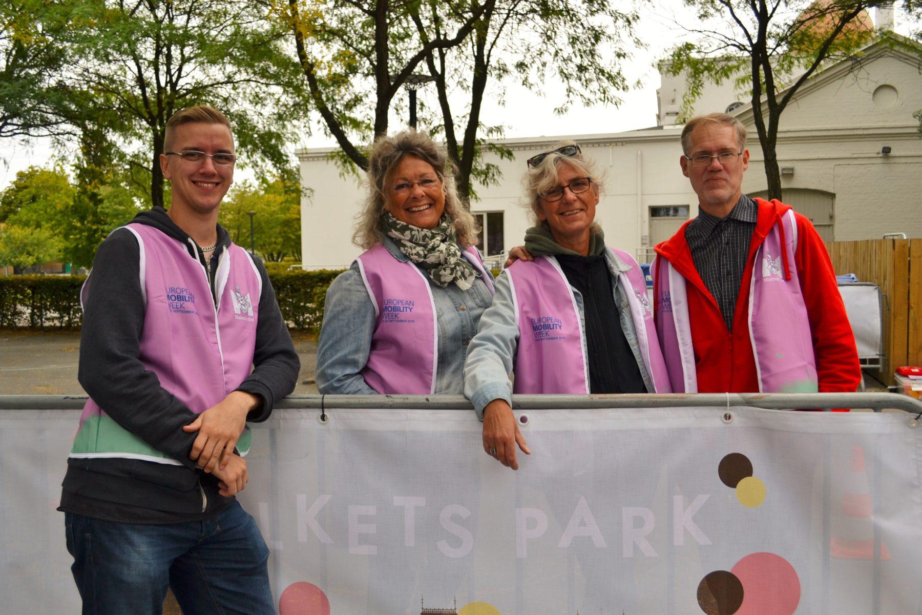 Malmös stads glada team som bemannar cykelteknikbanan