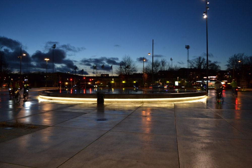 Vid Malmö konsthall finns både direktbelysning och effektbelysning för att skapa ett stimulerande och attraktivt gaturum.