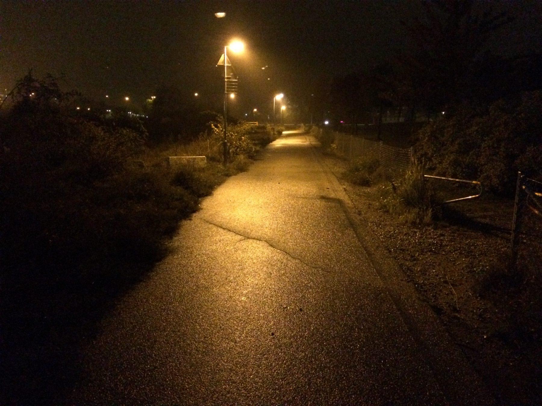 GC-bana i Västra hamnen (Malmö) med många skuggor och mörka partier..
