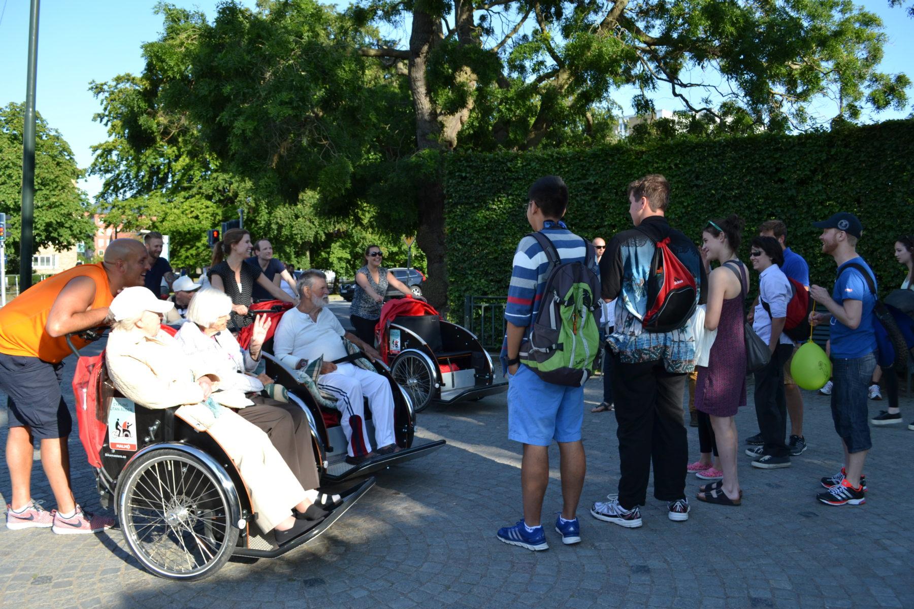 2015 års grupp stiftar bekantskap med Cykling utan ålder